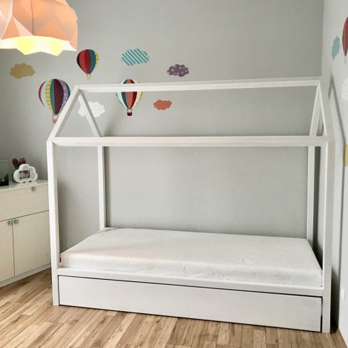 House bed natural oak with organic surface treatment with extending guest bed